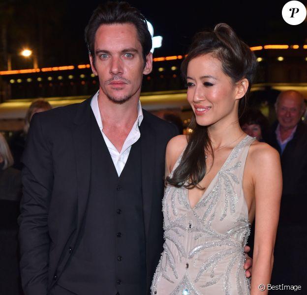 Jonathan Rhys-Meyers et sa fiancée Mara Lane - Soirée du MIP TV 2016 à l'hôtel Martinez à Cannes. Le 4 avril 2016 © Bruno Bebert / Bestimage
