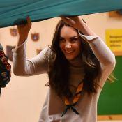 Kate Middleton : La pro du feu de camp en compagnie de ses louveteaux
