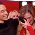 Camille Lou, soutenue par Grégoire Lyonnet, fond en larmes lors de la finale de l'émission Danse Avec Les Stars après un message d'amour de son compagnon Gabriele. Image extraite d'un extrait de l'émission diffusée sur TF1, le vendredi 16 décembre 2016
