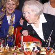 Simone Langlois et Léo Marjane - Léo Marjane fête ses 100 ans, en compagnie de ses amis, à la salle des fêtes de Barbizon, le 31 août 2012.