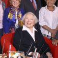 Herbert Léonard, Georges Chelon, Jean Vallet, Louis Bertignac et Léo Marjane - Léo Marjane fête ses 100 ans, en compagnie de ses amis, à la salle des fêtes de Barbizon, le 31 août 2012.