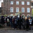 Des fans rendent hommage à George Michael devant sa maison du nord de Londres le 26 décembre 2016.