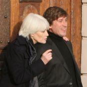 """Françoise Hardy aimerait tant que son fils Thomas Dutronc """"devienne parent"""""""