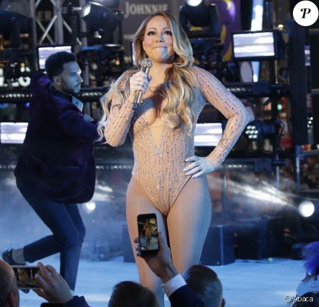 Mariah Carey sur scène pour la soirée du réveillon, à Times Square, New York le 31 décembre 2016