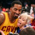 J.R. Smith Miley Cyrus après un match de basket au Madison Square Garden de New York, le 26 mars 2016