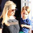 Sarah Michelle Gellar à la sortie du Brentwood Country Mart avec ses enfants Charlotte et Rocky, le 13 août 2015.