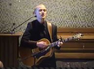 Mike Posner (I Took a Pill in Ibiza) chante aux funérailles de son papa