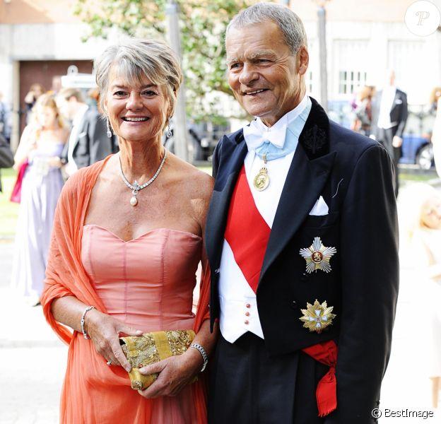 Ulf Dinkelspiel et son épouse Louise lors du mariage de leur fils Jan Dinkelspiel avec Ellen Stendahl, amie de la princesse Madeleine de Suède, à Stockholm le 29 août 2009.