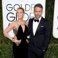 Blake Lively et son mari Ryan Reynolds à la cérémonie des Golden Globes, à Los Angeles, le 8 janvier 2017.