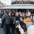 Kendall Jenner à la sortie du restaurant L'Avenue lors de la fashion week à Paris, le 21 janvier 2017.