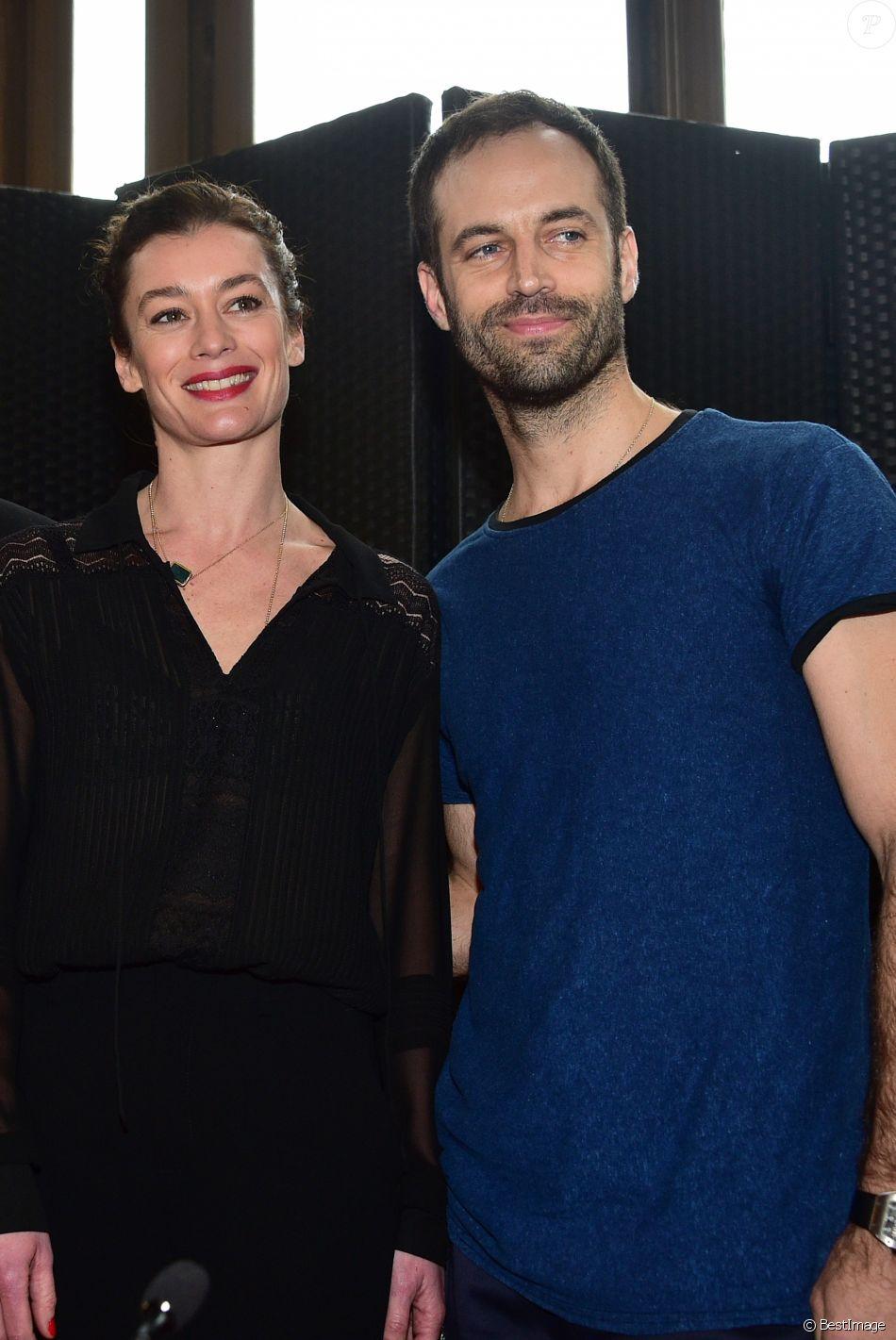 Stéphane Lissner (le directeur de l'Opéra de Paris), Benjamin Millepied (directeur de la danse à l'Opéra de Pari) et Aurélie Dupont (la nouvelle directrice de la danse à l'Opéra de Paris) lors de la conférence de presse à l'Opéra de Paris, le 4 février 2016.
