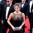 """Mischa Barton - Montée des marches du film """"Loving"""" lors du 69ème Festival International du Film de Cannes. Le 16 mai 2016."""