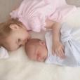 L'acteur Armie Hammer et l'animatrice télé Elizabeth Chambers, déjà parents de Harper née en 2014, ont accueilli le 15 janvier 2017 leur second enfant : Ford, dont le prénom a été révélé avec cette photo Instagram.