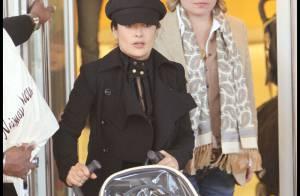 PHOTOS : Salma Hayek et sa rigolotte petite fille en shopping à LA!