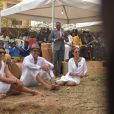 Exclusif - Yannick Noah et ses soeurs Isabelle et Nathalie Noah - Cérémonie traditionnelle lors des obsèques de Zacharie Noah à Yaoundé au Cameroun le 18 janvier 2017.