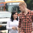 Ariel Winter fait du shopping avec son nouveau petit-ami, l'acteur Levi Meaden. Le 26 novembre à Los Angeles