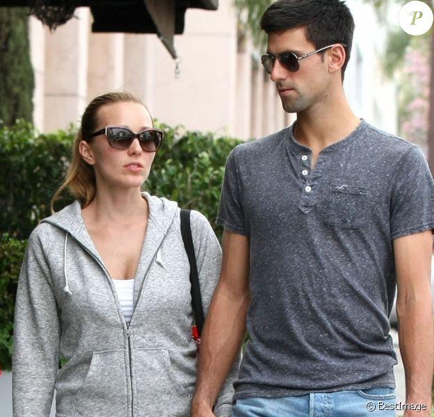 Exclusif - Novak Djokovic et sa femme Jelena Ristic promènent leurs chiens à West Hollywood, le 10 mars 2015.