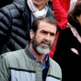 Eric Cantona dans les tribunes des internationaux de France de Roland Garros à Paris le 3 juin 2016. © Dominique Jacovides / Bestimage