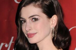 Anne Hathaway la plus glamour des stars à Palm Spring !