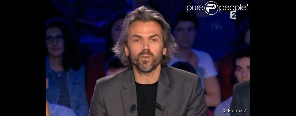 Aymeric Caron, au moment de ses adieux à  On n'est pas couché , le samedi 27 juin 2015 sur France 2.
