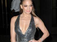 Jennifer Lopez sculpturale et très décolleté : La bomba latina assure !