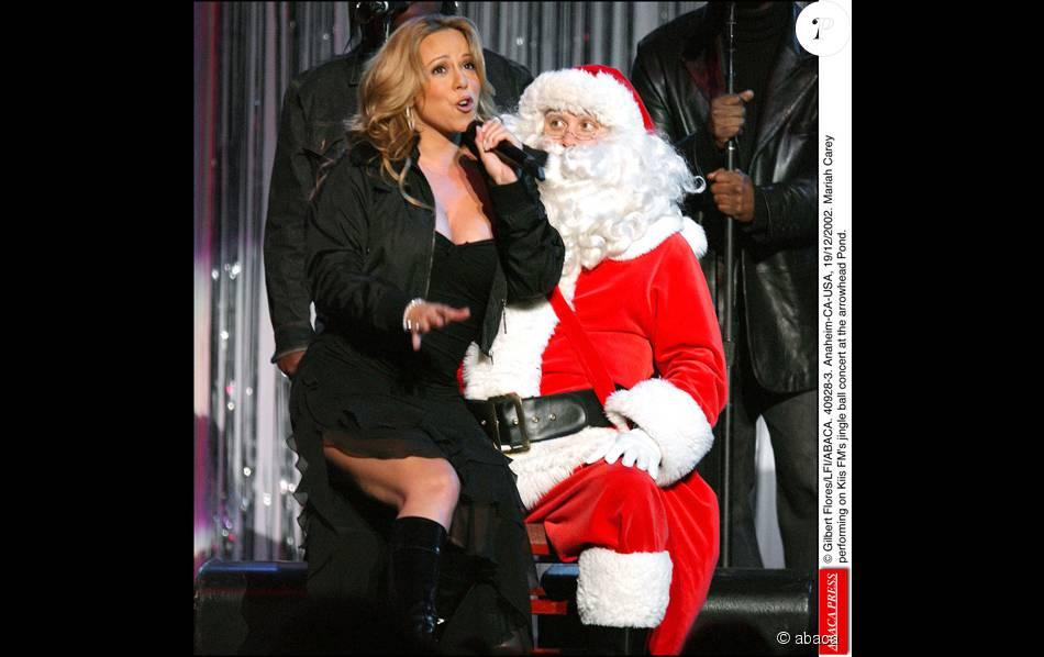 Mariah carey laisse le p re no l sans voix purepeople - Pere noel et mere noel ...