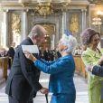 Le roi Juan Carlos et la reine Sofia d'Espagne salués par la princesse Christina de Suède et son mari Tord Magnuson au Te Deum en l'honneur du 70e anniversaire du roi Carl XVI Gustaf de Suède au palais royal à Stockholm le 30 avril 2016