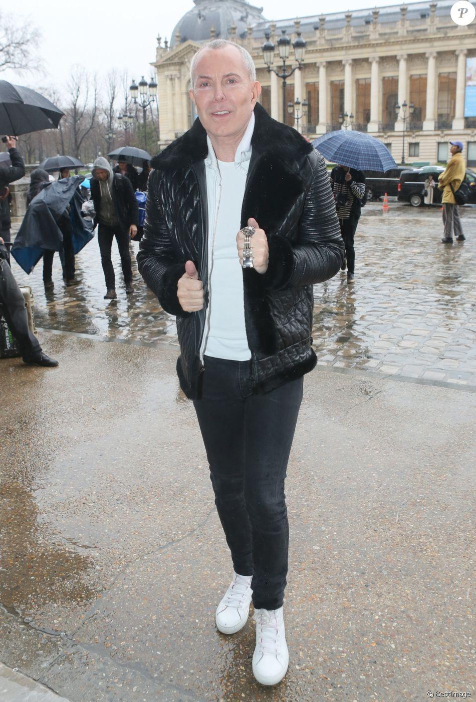 Exclusif , Jean,Claude Jitrois arrive au défilé de mode prêt,à,porter  automne,hiver 2017/2018 Léonard au Grand Palais à Paris. Le 6 mars 2017.