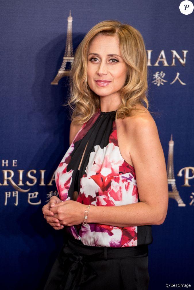 Lara fabian l 39 inauguration du parisian hotel and casino for Photographie de stock