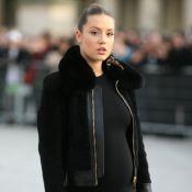 Adèle Exarchopoulos enceinte : Elle dévoile son baby bump au défilé Vuitton