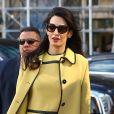 Amal Clooney (enceinte) quitte son hôtel de New York pour se rendre aux Nations Unies le 9 mars 2017.
