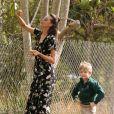 Robin Thicke ( qui fête ses 40 ans ) avec sa compagne April Love Geary et son fils Julian vont déjeuner chez McDonalds, Julian et April vont ensuite cueillir des pommes à Malibu le 10 mars 2017.