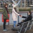 Thomas Brodie-Sangster, Liam Neeson, Olivia Olsonsur le tournage de la suite de Love Actually pour le Comedy Relief and Red Nose Day à Londres le 16 février 2017.