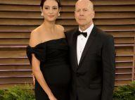 Bruce Willis décontracté à Disney avec ses filles et sa belle Emma au naturel