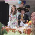 """Exclusif - Sofia Vergara et Rico Rodriguez sur le tournage du premier épisode de la saison 8 de """"Modern Family"""" à Los Angeles, Californie, Etats-Unis, le 1er Août 2016. © CPA/Bestimage"""