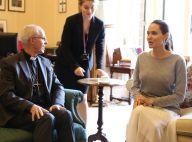 Angelina Jolie sans soutien-gorge devant l'Archevêque de Canterbury : Scandale ?