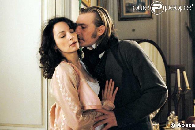 Jeanne Balibar et Guillaume Depardieu, dans Ne touchez pas à la hache