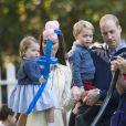 Le prince George de Cambridge en famille lors d'une fête pour enfants le 29 septembre 2016 à la Maison du Gouvernement à Victoria au Canada.