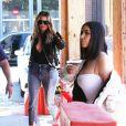 Kim Kardashian et Khloe Kardashian sont allées déjeuner à Culver City, Le 31 mars 2017