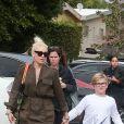 Gwen Stefani fait du shopping avec son fils Kingston Rossdale et une amie chez Whole Foods à Studio City, le 5 mars 2017