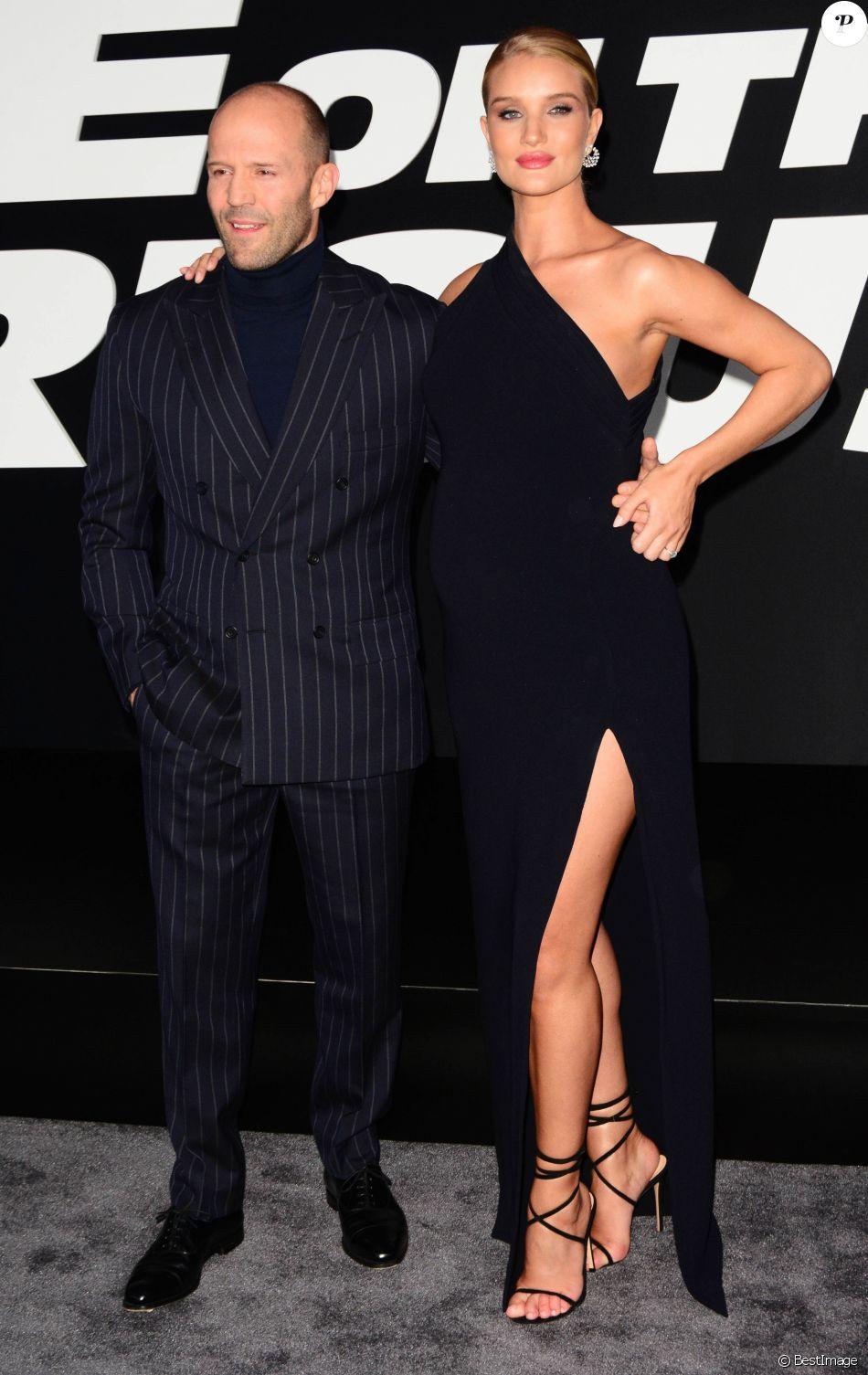 Jason Statham et sa compagne Rosie Huntington-Whiteley enceinte à la première du film 'Fate Of The Furious' à New York, le 8 avril 2017