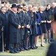Le roi Carl Gustav, la princesse Victoria, le prince Daniel, le prince Carl Philip et la princesse Sofia (Hellqvist) de Suède - La famille royale de Suède lors de la minute de silence devant l'Hôtel de Ville en hommage aux victimes de l'attentat de Stockholm. Le 10 avril 2017