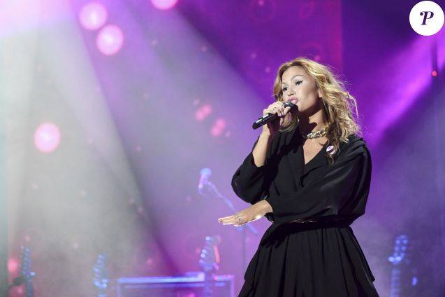 """Vitaa - Enregistrement de l'émission """"Tout le monde chante contre le cancer, les stars relèvent le défi"""" à l'Olympia, qui sera diffusée le 22 décembre sur W9. Le 6 décembre 2016"""