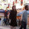 Lena Dunham et Travis Fimmel tournentune scène romantique pour un nouveau film dans le quartier de Brooklyn à New York, le 14 avril 2017