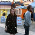 Lena Dunham et Travis Fimmel tournent une scène romantique pour un nouveau film dans le quartier de Brooklyn à New York, le 14 avril 2017