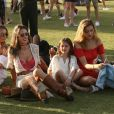 Alessandra Ambrosio, sa fille Anja Mazur, Ana Beatriz Barros et des amies au festival de Coachella à Indio, le 16 avril 2017.