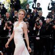 """Uma Thurman - Montée des marches du film """"Pour une poignée de dollars"""" pour la cérémonie de clôture du 67 ème Festival du film de Cannes, le 24 mai 2014"""