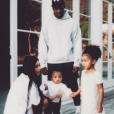 Kim Kardashian est de retour sur Instagram. Un come-back pour lequel elle a posté une adorable photo de famille. Le 3 janvier 2016.