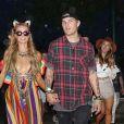 Paris Hilton et son compagnon Chris Zylk à l'ouverture du festival de Coachella 2017 à Indio, le 14 avril 2017