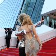 "Paris Hilton, Sun Zu Yang (selfie) - Montée des marches du film ""Inside Out"" (Vice-Versa) lors du 68 ème Festival International du Film de Cannes, à Cannes le 18 mai 2015."